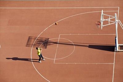 スリーポイントを成功させるためシュートの飛距離を伸ばすコツ